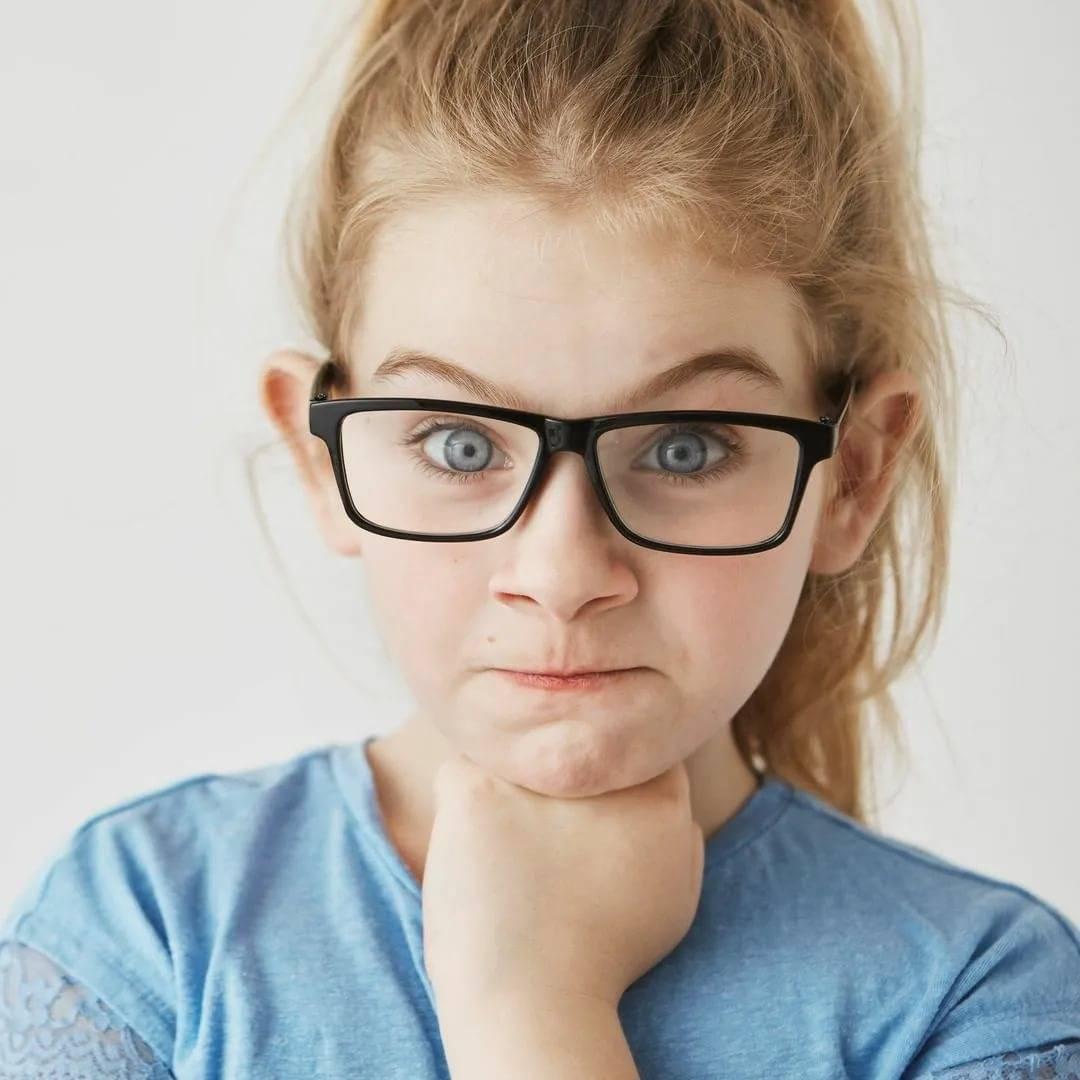 При каком зрении нужно носить очки