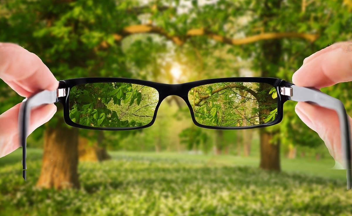 Линзы для очков: какие из них лучше