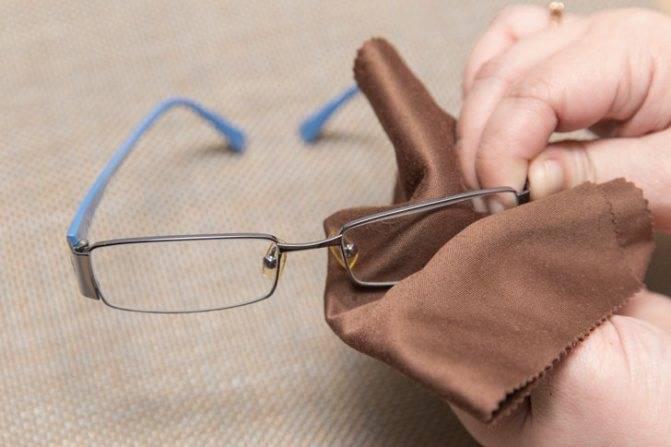 Где и как хранить очки дома (для чтения и солнцезащитные)