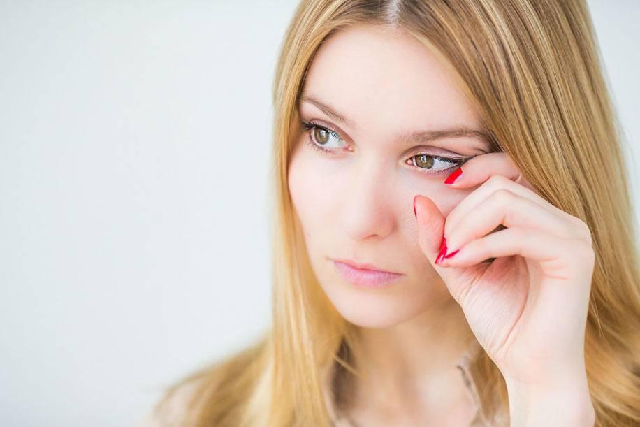 Почему щиплет глаза: причины и лечение oculistic.ru почему щиплет глаза: причины и лечение