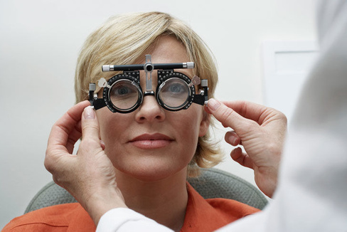 Почему падает острота зрения после родов? - mamapedia
