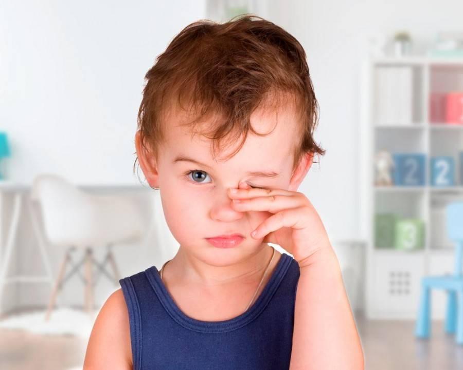 """Опух глаз у ребенка: причины, лечение, что делать нельзя - """"здоровое око"""""""