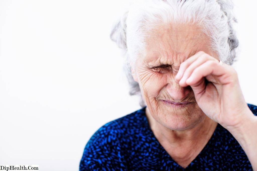 Слезотечение у пожилых людей — лечение