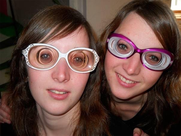 Очки при астигматизме (подбор астигматических линз и оправ), нужно ли носит постоянно