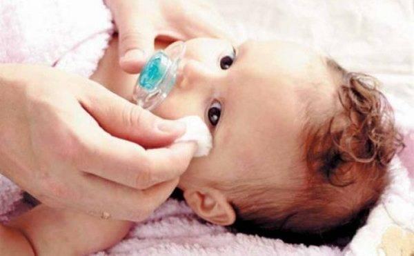Конюктивит: как промывать и чем лечить глаза при воспалении. можно ли промыть глаза раствором марганцовки? промывание с помощью ватных дисков