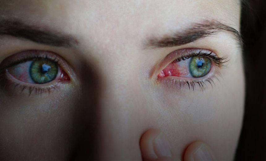 Как макияж может навредить глазам и что делать, чтобы снизить риск - лайфхакер