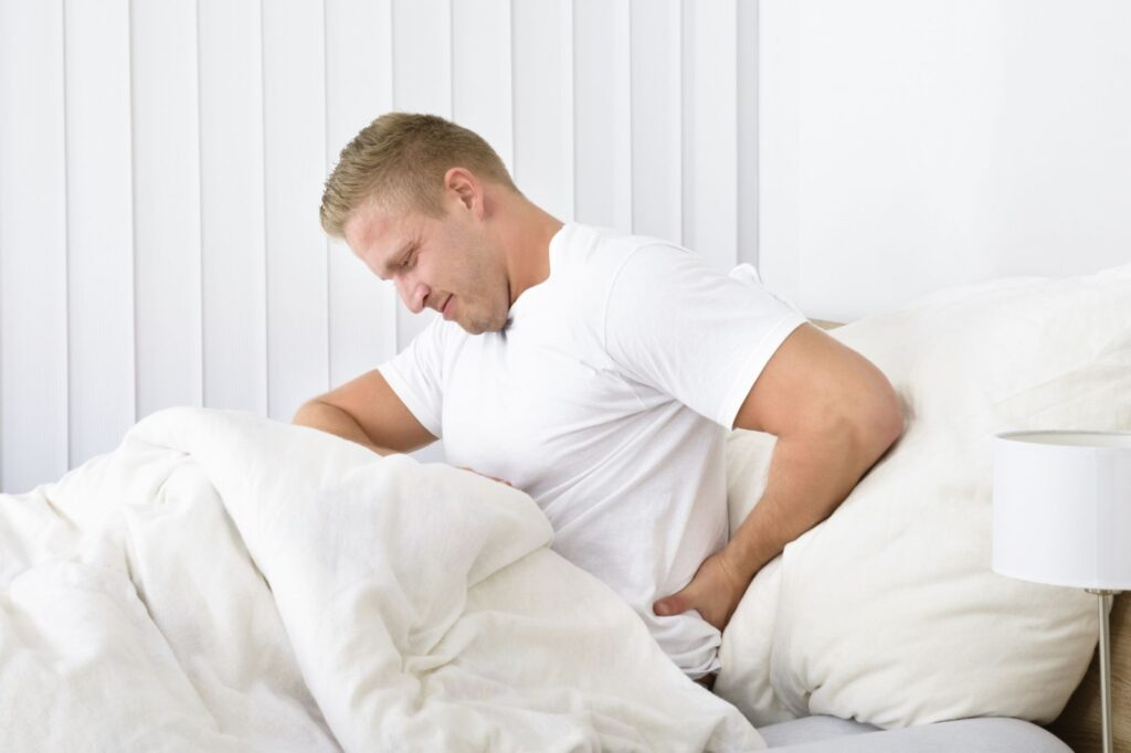Болят глаза утром после сна