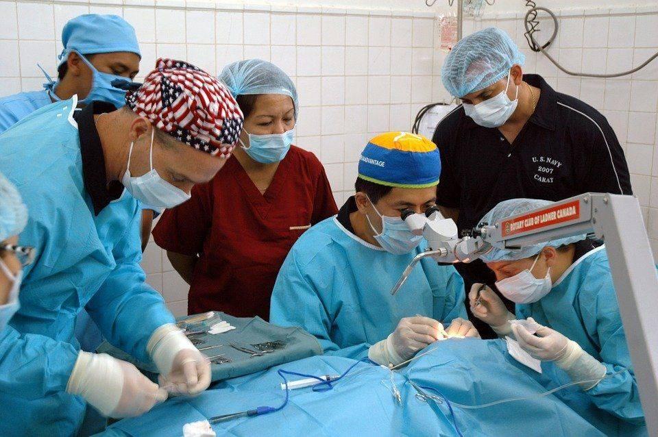 Хирургическое вмешательство при астигматизме